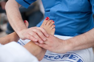 legacymedia-1136-foot_massage